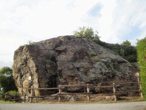 Masso erratico sulla Collina Morenica